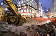 sf.WaterMain Construction crew strikes water main at Geary and Montgomety streets